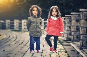 Bayi kembar sepasang